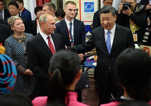 中国外交部:中国地震灾区儿童受到俄罗斯人民细心照顾抚平创伤