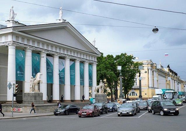 圣彼得堡开始展览著名街头画家班克斯的作品