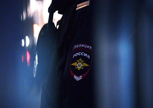 莫斯科99处商场、学校和其他设施在接到炸弹威胁电话后接受排查
