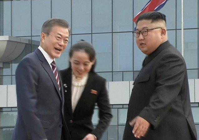 金与正积极组织机场迎接韩国总统文在寅相关事宜