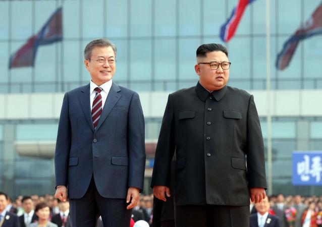 朝韓領導人在峰會結束後簽署聯合聲明