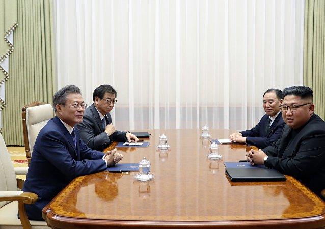 韩国总统府代表称,朝韩领导人实际上已宣布结束战争状态