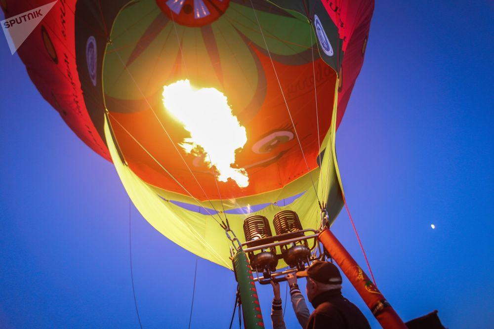 斯塔夫罗波尔高加索矿泉城-俄罗斯的明珠航空节的参加者