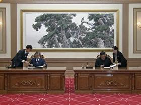 金正恩和文在寅在平壤举行的第三次会晤后签署了联合声明