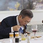 朝鲜领导人用荞麦冷面招待文在寅