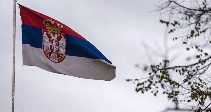 塞尔维亚国旗