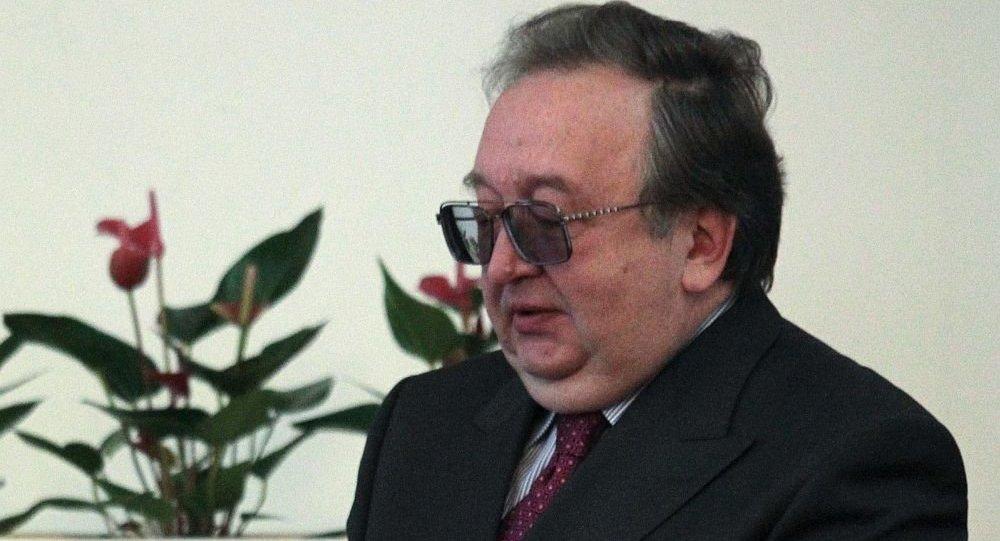 亚历山大∙潘诺夫