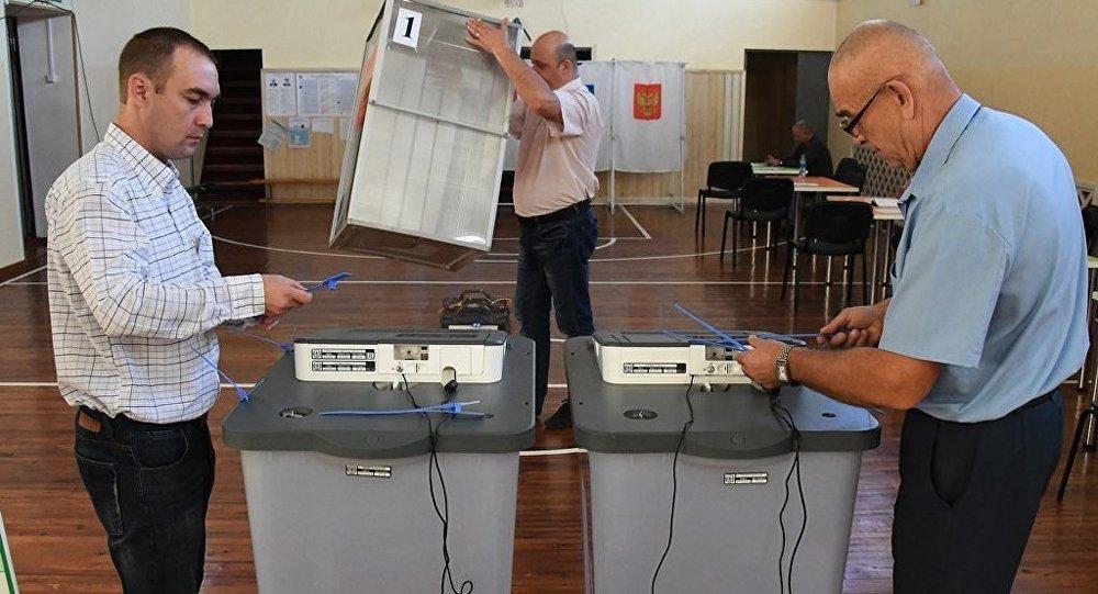 俄议会反对派候选人在两大地区选举中获胜