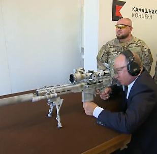 普京亲测俄新式狙击枪5枪3中