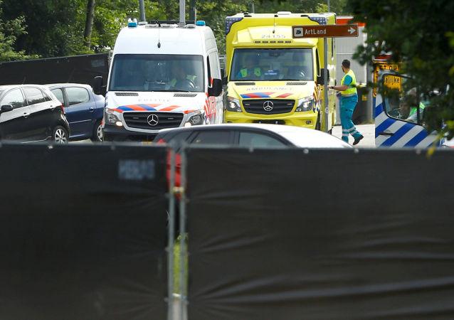 荷蘭鹿特丹當局隔離一艘有數十人疑患胃腸型流感的郵輪