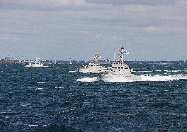三艘烏克蘭軍艦越境進入俄國水域並駛向刻赤海峽