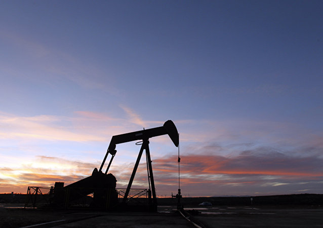 专家:美国对伊朗制裁会增加俄在石油市场影响力