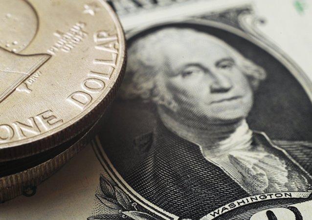 克宫:俄经济去美元化是长期进程