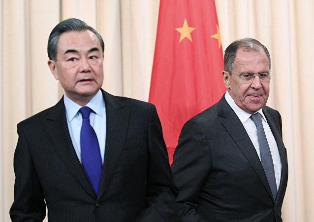 特朗普的一句話觸動了俄羅斯和中國
