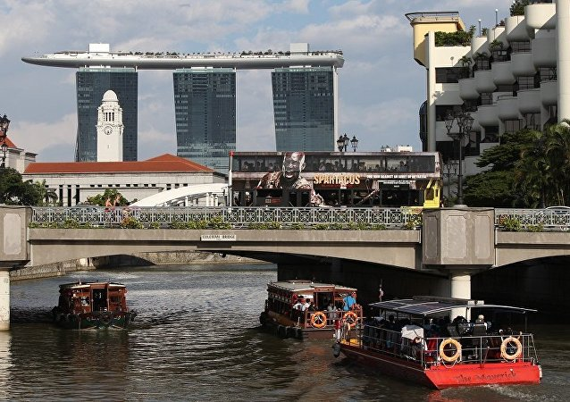 两人因非法向朝鲜供应贵重物品在新加坡被捕