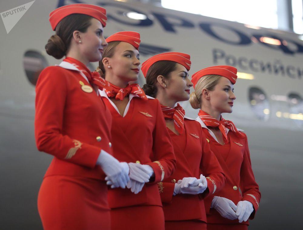 俄羅斯航空公司(Aeroflot)在莫斯科捨列梅季耶沃機場接收第50架蘇霍伊超級噴氣(100 Sukhoi Superjet 100)支線客機
