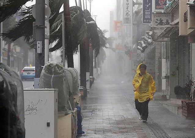 """日本台风""""潭美""""遇难人数升至2人 另有2人下落不明"""