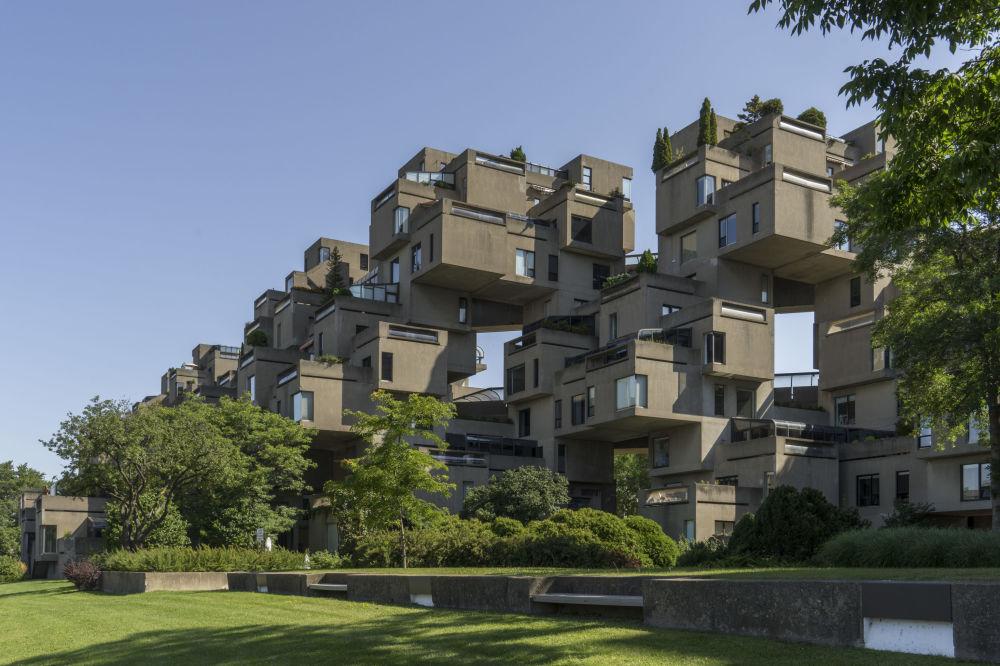 這棟居民樓看上去似乎由樂高設計師的立方體拼成,總共由354塊立方體堆積而成。大樓由加拿大設計師莫捨·薩夫迪(Moshe Safdie)在蒙特利爾世博會(Expo 67)之前設計。