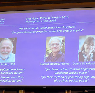 诺贝尔物理学奖揭晓:美法加三名科学家因激光物理获奖