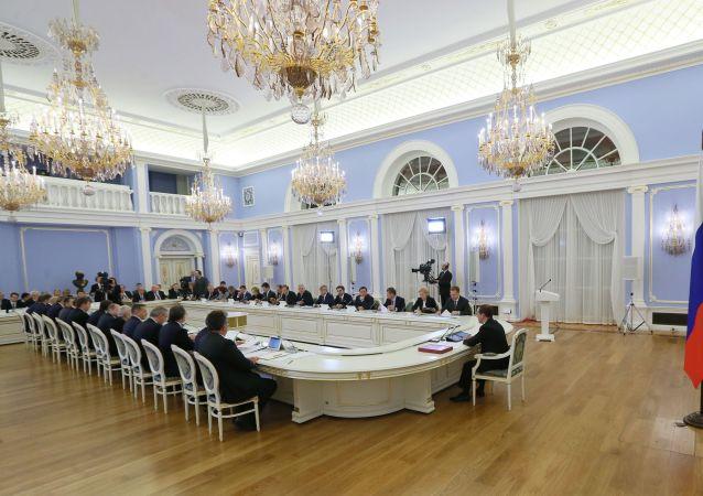 俄羅斯政府稱不打算棄用美元
