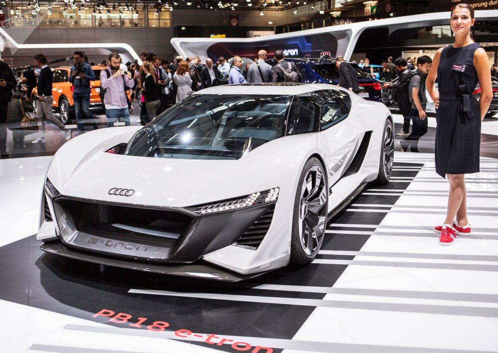 奥迪全新电动概念跑车E-Tron PB18 Quattro亮相巴黎车展开幕式