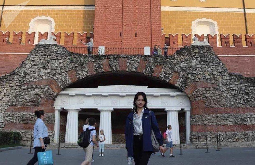 普希金俄语学院的张同学在红场