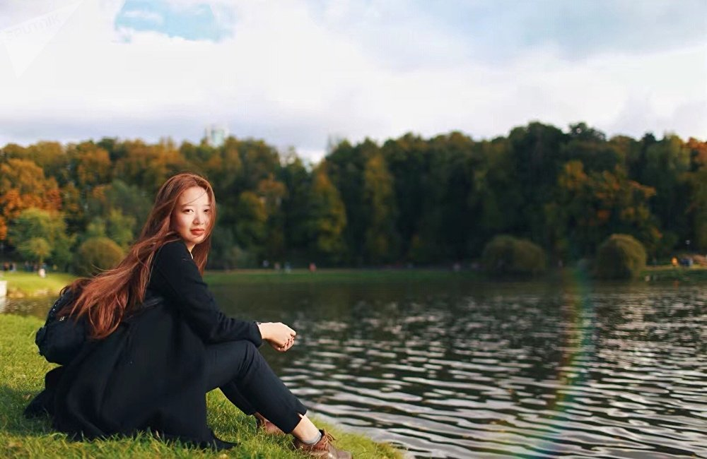 秋天時節周同學在莫斯科河畔