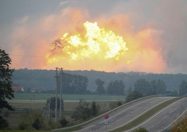 乌军火库爆炸