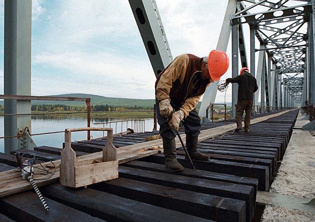 下列寧斯科耶-同江鐵路大橋不會早於2020年實現全面通車