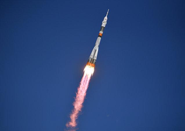 """飞往国际空间站的""""联盟号""""火箭在起飞时发生事故"""