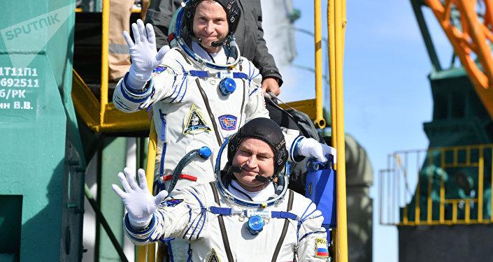 俄航天集团称将尽快将事故飞船的乘组送往国际空间站