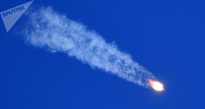 俄中部軍區稱,航天員乘坐的密封艙在聯盟號飛船發射事故後在距離哈薩克斯坦傑茲卡茲甘市25公里處找到
