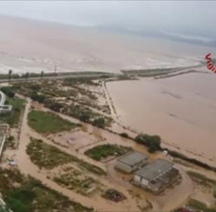 撒丁島持續暴雨致橋樑垮塌