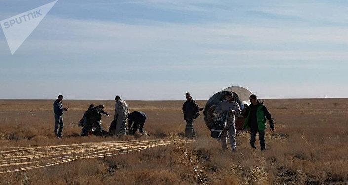 """哈萨克斯坦内务部:""""联盟""""号火箭各级被发现 搜寻工作完成"""