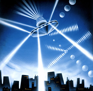 中國多地夜空現奇異亮雲 網友疑為UFO