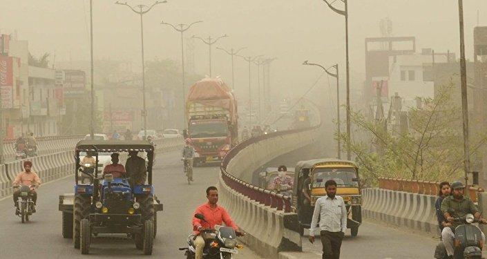 新德里政府首次计划借助人工降雨治理大气污染