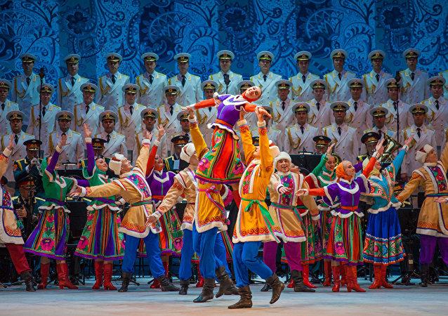 亚历山德罗夫红旗歌舞团表演