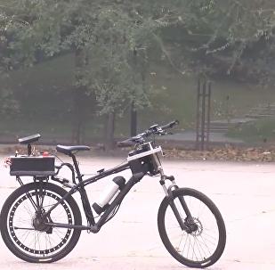 清华学生发明无人驾驶自行车