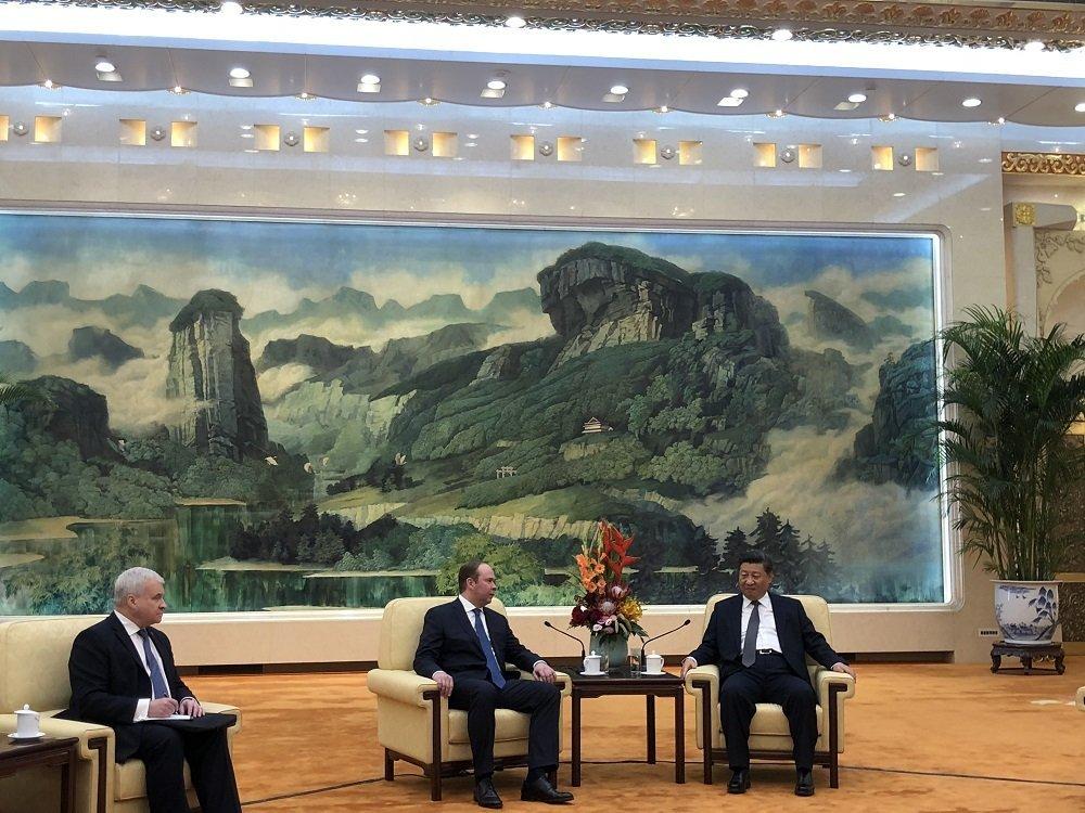 中國國家主席習近平17會見來華訪問的俄羅斯總統辦公廳主任瓦伊諾