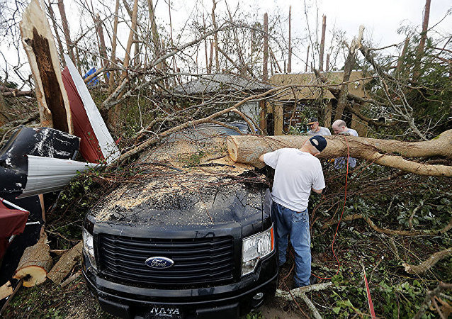 媒體:美國颶風「邁克爾」死亡人數升至33人