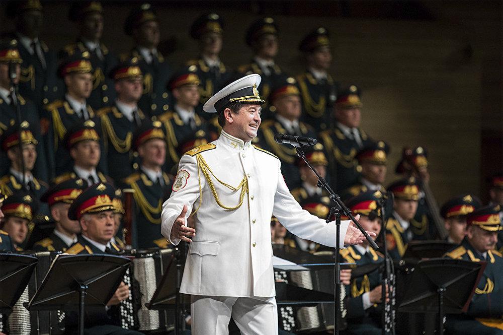 獨唱演員瓦季姆·阿納尼耶夫