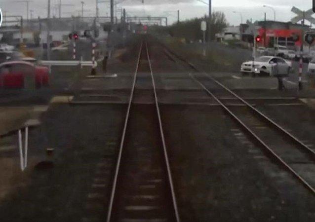 新西蘭肇事者穿越火車道口惹禍