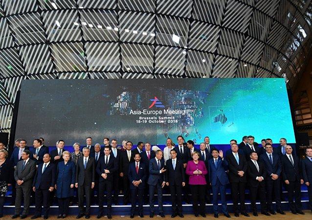 亚欧首脑在布鲁塞尔向美国发起挑战