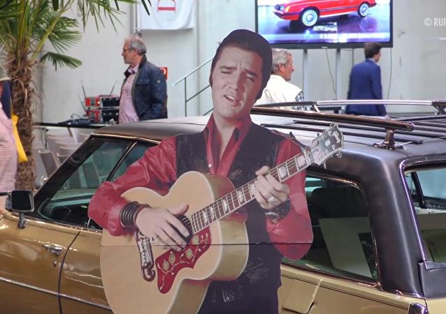 歌手埃爾維斯•普雷斯利的凱迪拉克汽車被拍賣