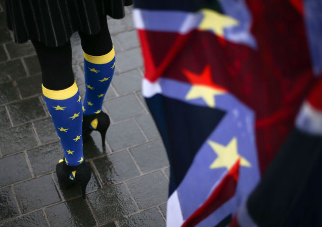 超過十萬名英國民眾走上倫敦街頭要求進行新的英國脫歐全民公投