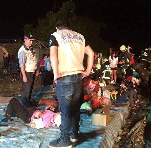 台灣鐵路列車脫軌事故遇難者人數升至17人