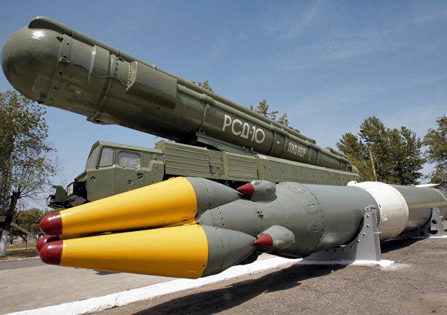 中短程导弹