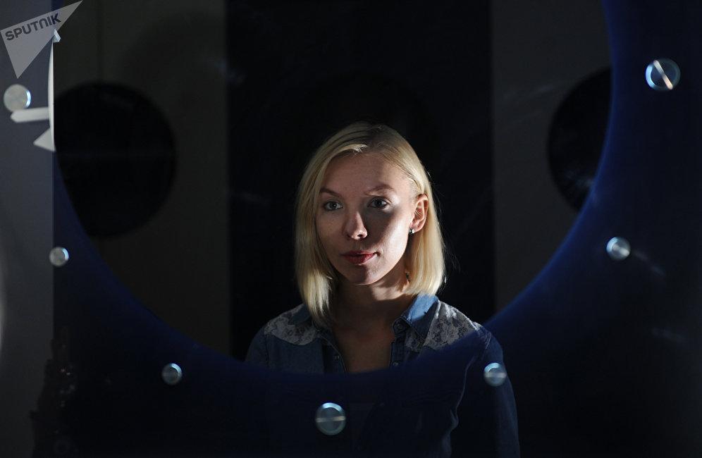 阿納斯塔西婭·斯捷潘諾娃畢業於莫斯科國立羅蒙諾索夫大學,是俄羅斯科學院醫學生物問題研究所的初級研究員。她是最具前景的火星開拓者候選人之一。