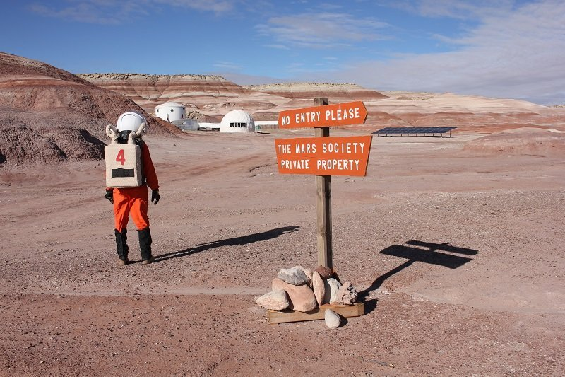 不久前有一篇新的科研文章問世。文章寫道,從原則上來說,火星上的輻射並非一切都壞。在火星上有大氣,不管那裡的大氣如何稀薄,但的確存在。人們呆在火星期間所獲得的大氣數量處於正常範圍。當然,不能排除異常情況。
