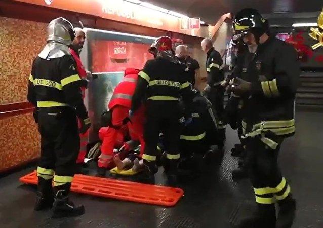 羅馬地鐵扶梯事故